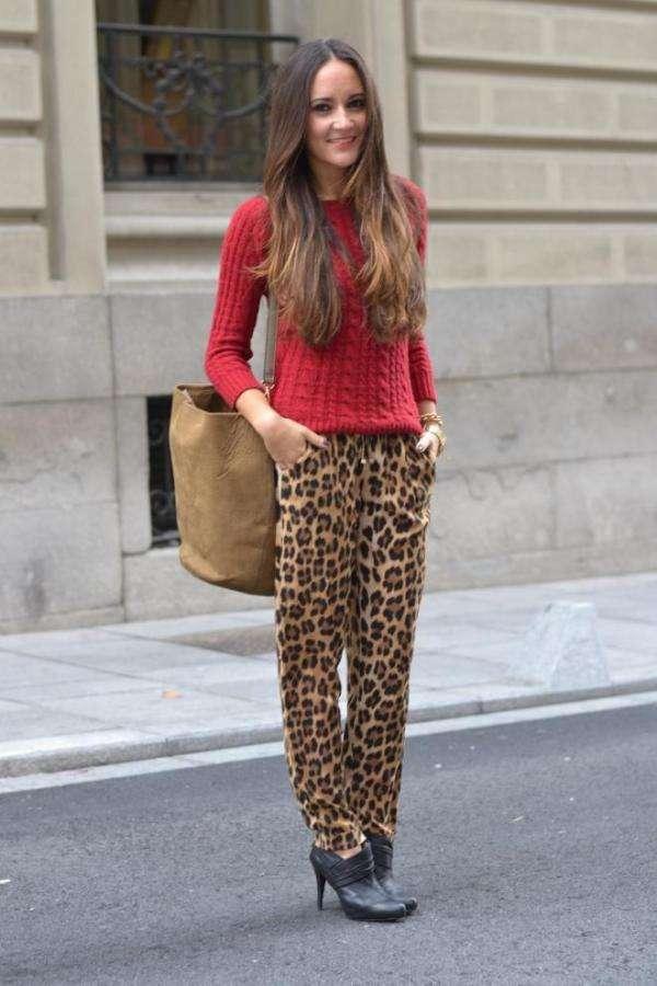 como combinar los leggins de leopardo con rojo