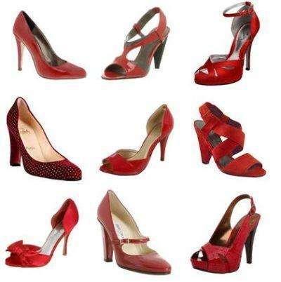 zapatos rojos con vestido rojo