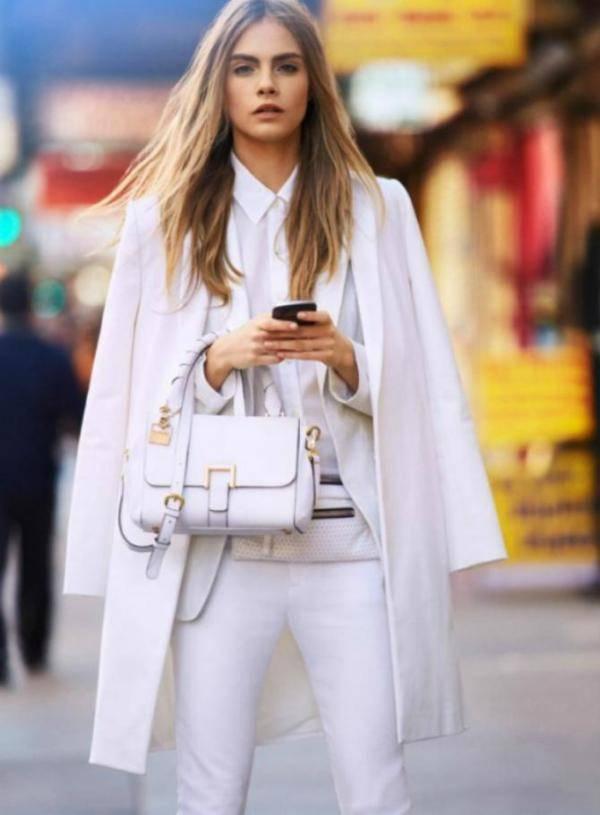 Combinar abrigo blanco con blanco