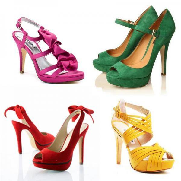 que zapatos combinan con un vestido morado