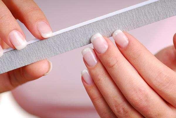 como quitar las uñas de acrilico