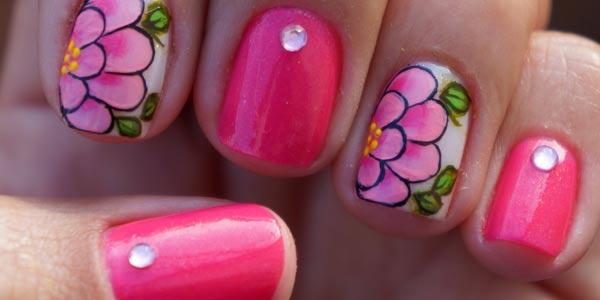 como hacer uñas con flores