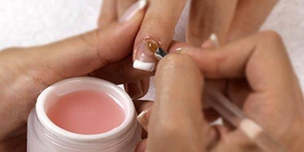 lo que debes saber sobre las uñas de gel