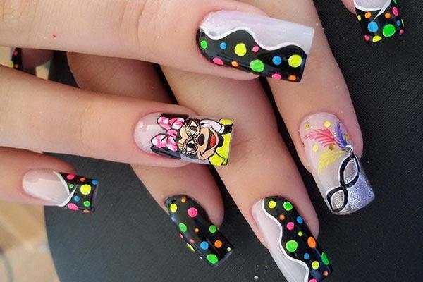 uñas decoradas para un carnaval