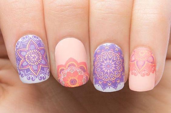 decoracion de uñas de los pies con sellos
