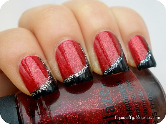 rojo con negro uñas