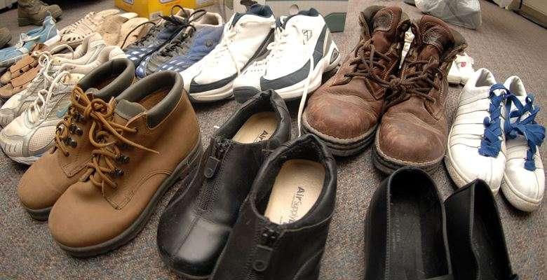 7 trucos para quitar el mal olor de los zapatos r pido y f cil - Como quitar el olor a cigarro de la casa rapido ...