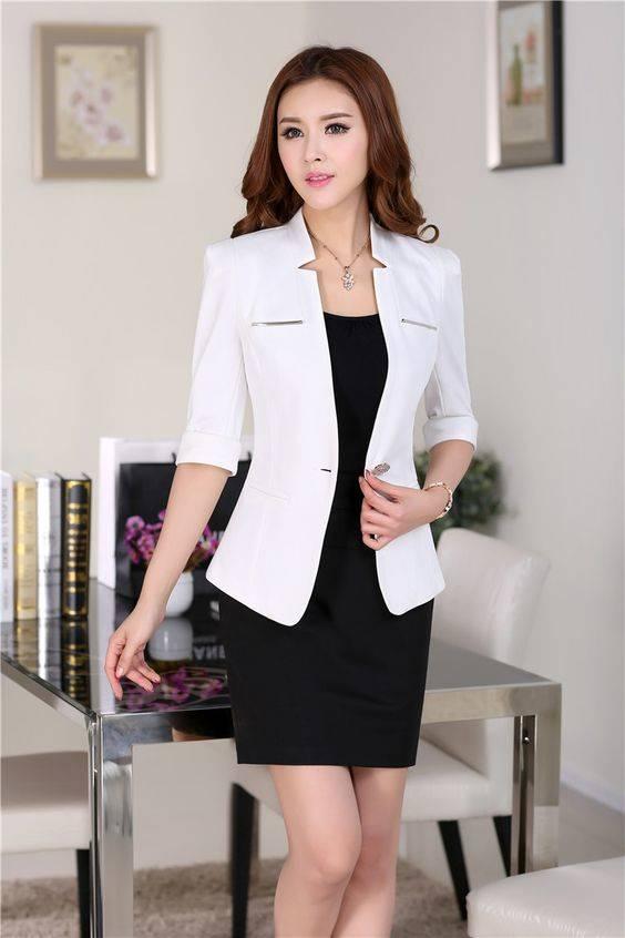 Vestido negro formal con blazer