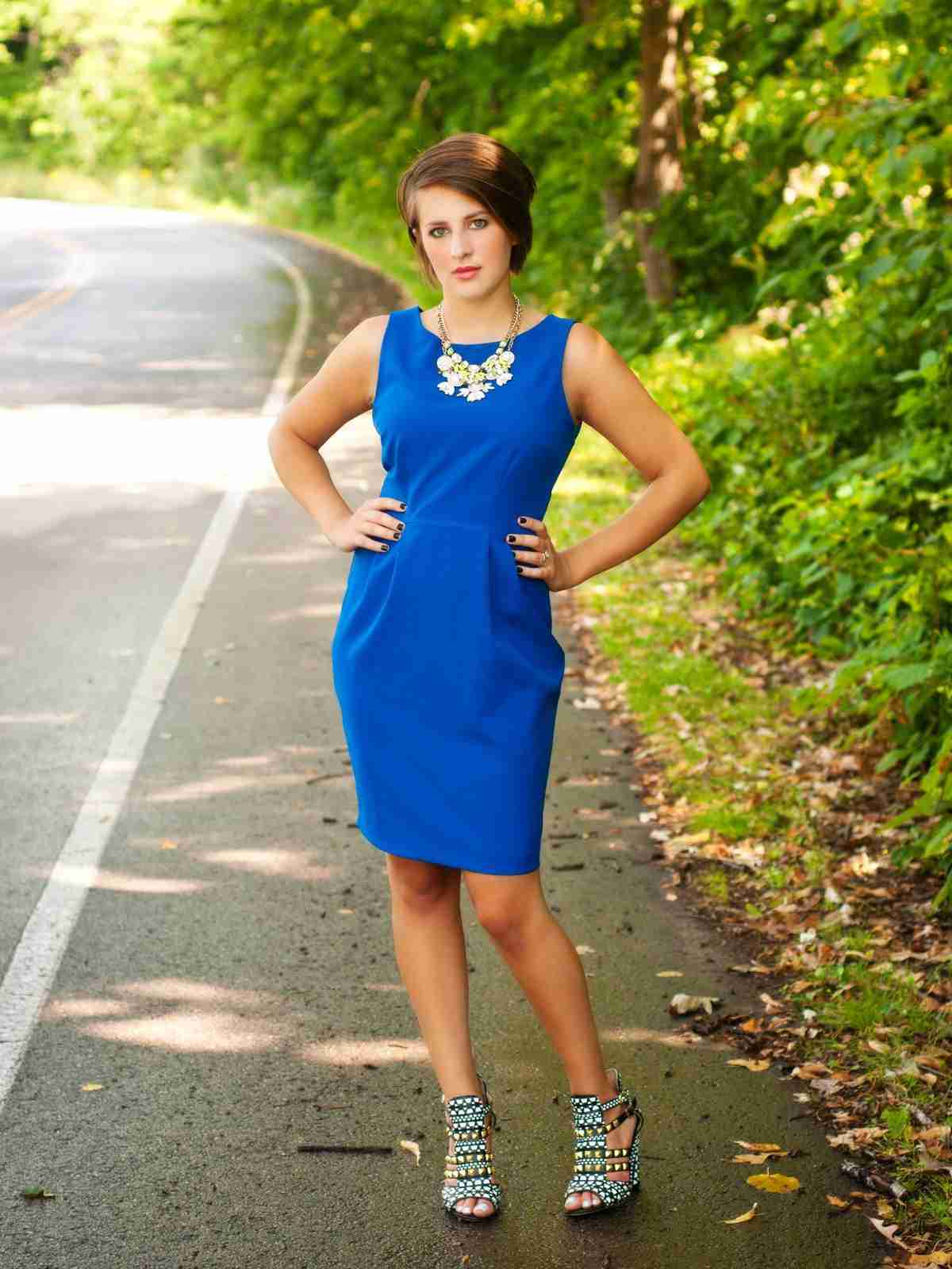 6de2e83c7 Cómo Combinar un Vestido Azul Marino - 10 Outfits Increibles